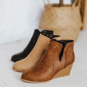 New ankle cream Fiona booties